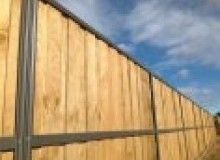Kwikfynd Lap and Cap Timber Fencing antonymyre